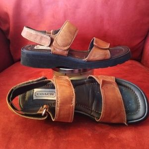 COACH LEATHER FASHION WALKING SANDALS Size 8